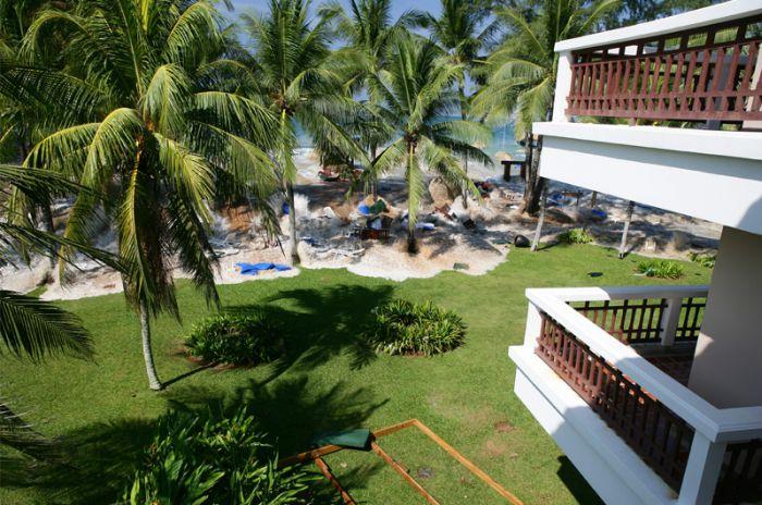 Цунами. Вид из гостиничного номера (7 фото)