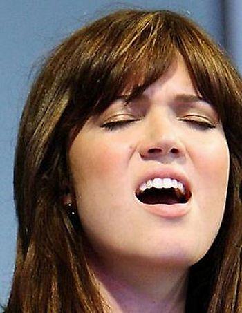 Звезды с широко открытым ртом (47 фото)