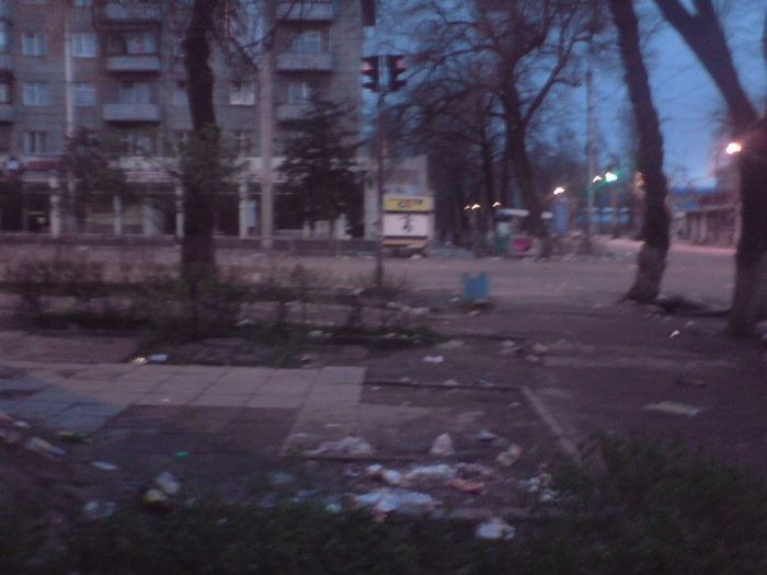 Бишкек после нашествия мародеров (68 фото)