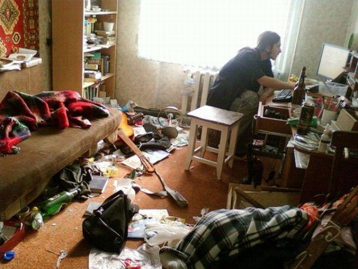 http://cdn.trinixy.ru/pics4/20100413/another_very_dirty_flat_03.jpg