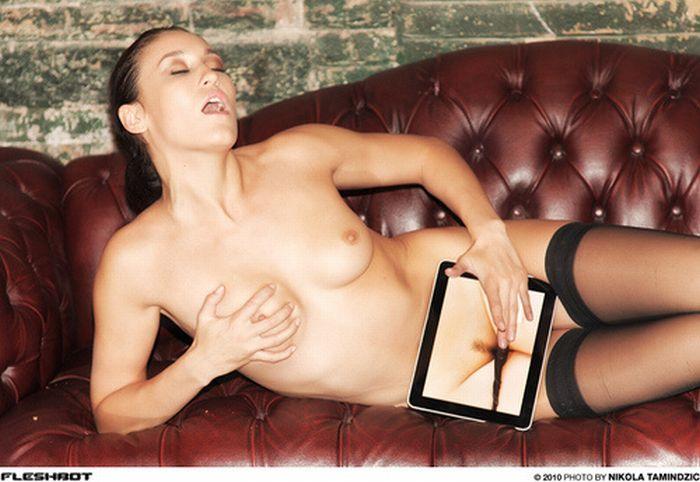 Эротика с iPad (13 фото) НЮ