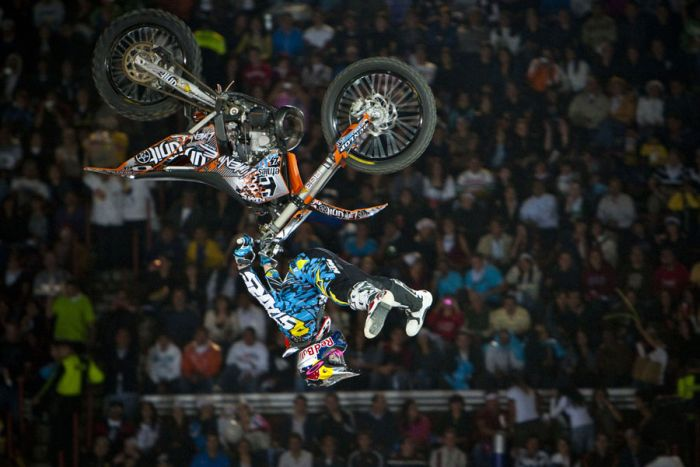 "Шоу ""Red Bull X-Fighters 2010"" (21 фото)"