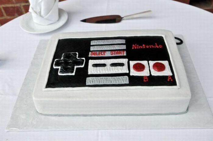 Гаджетные торты (40 фото)