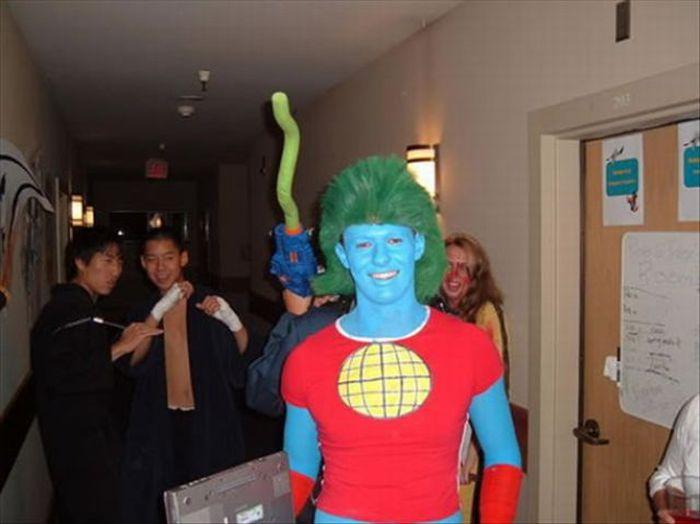 5d67477d5419fa1 Самые смешные костюмы Капитана Планеты (25 фото) » Триникси