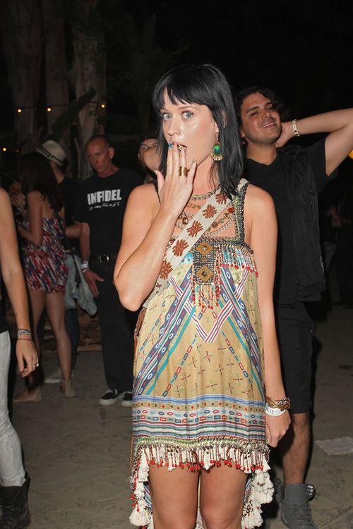 Кэти Перри (Katy Perry) кривляется (11 фото)