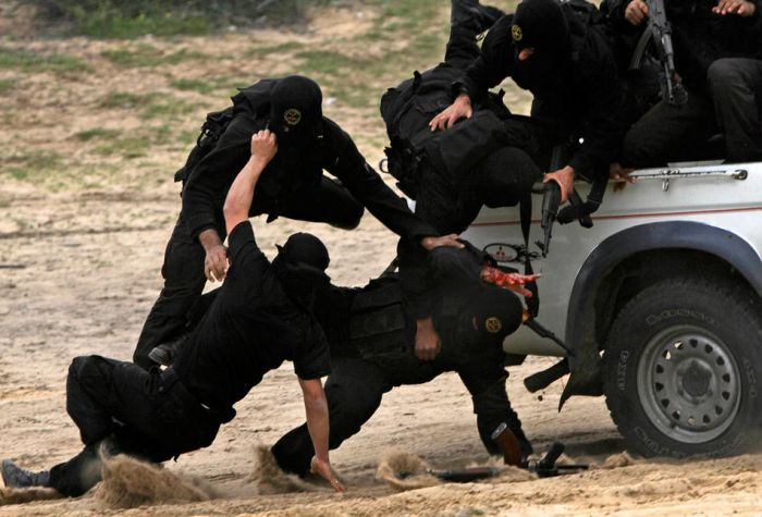Учения палестинских боевиков (15 фото)