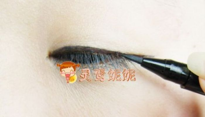 Азиатская девушка до и после макияжа (42 фото)