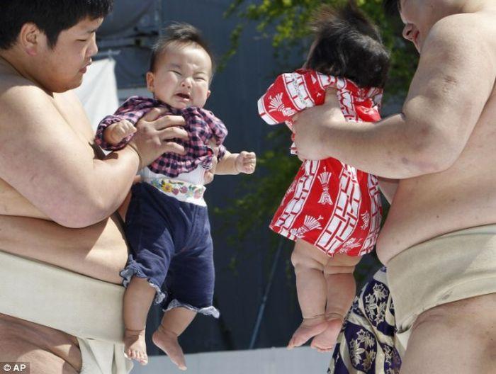 Конкурс плачущих детей (15 фото)