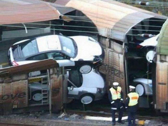 Как разбить много автомобилей Porsche сразу (7 фото)