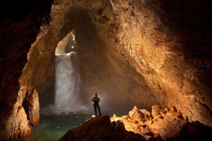 Красивые пещеры (13 фото)