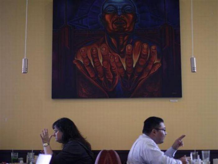 Необычный ресторан Homegirl Cafe (16 фото)