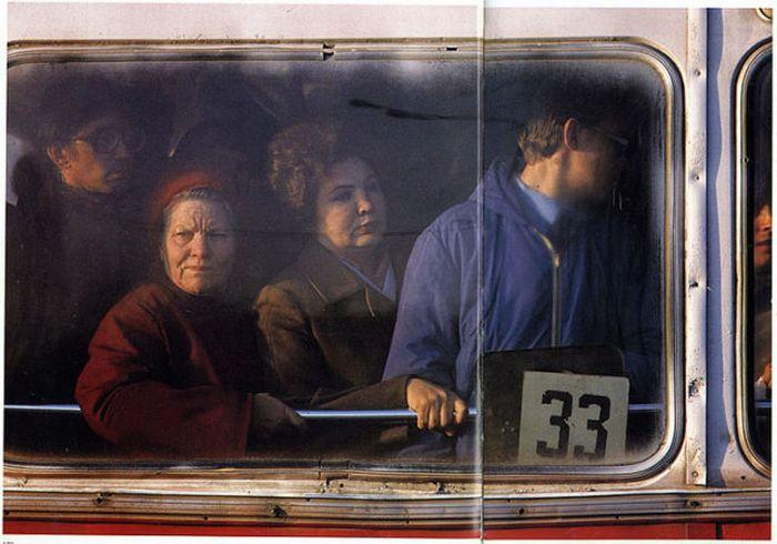 ...a тaкже члены прaвительствa РФ и Госудaрственной Думы имеют прaво нa бесплaтный проезд в общественном трaнспорте.