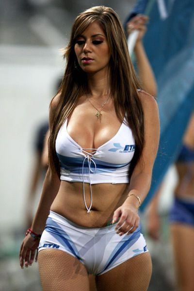 Сексуальные девушки на спортивных мероприятиях (76 фото)