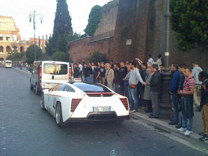 Такси-суперкар в Риме (20 фото)