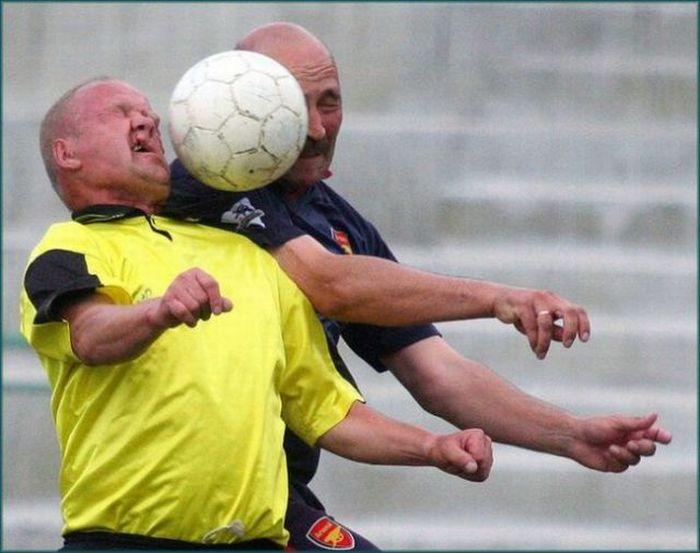 Мячом по лицу (36 фото)