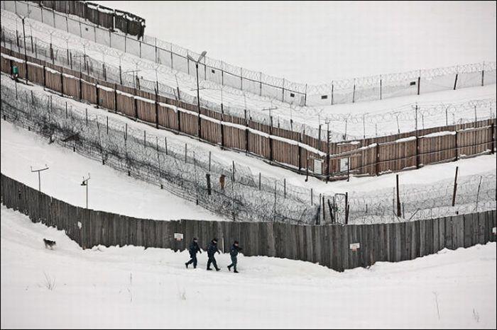 Ercevo, Arkhangelsk region, Russia. фото колония тюрьма.  Вернулся в мск.
