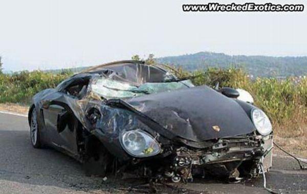 Аварии суперкаров, в которых никто не пострадал (15 фото)