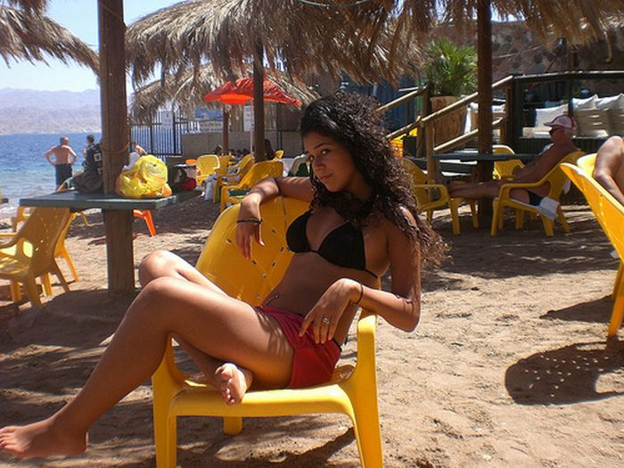 Девушки с израильских пляжей (63 фото)