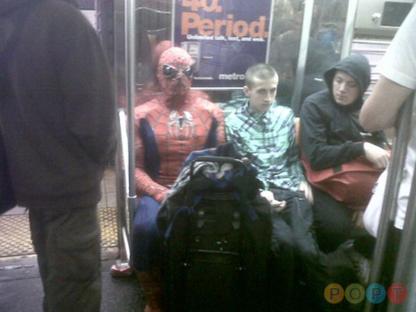 Люди в метро. Часть 2 (102 фото)