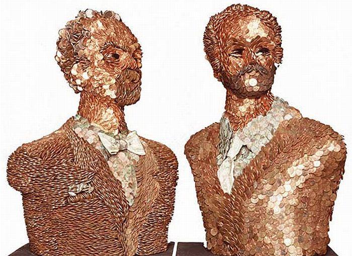 Женские тела, сделанные из различных материалов (13 фото)