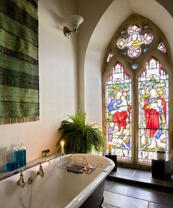 Дом в церкви (12 фото)