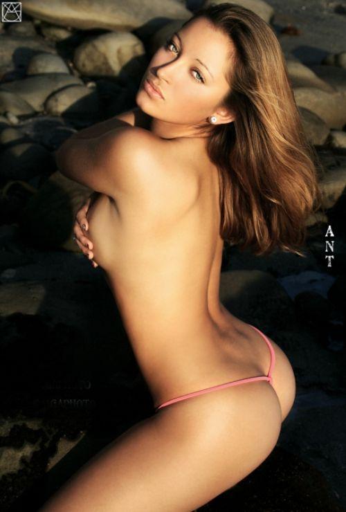 Ямочки на спине (79 фото)