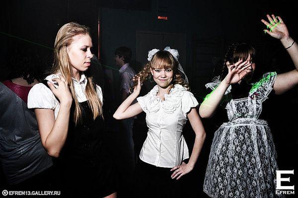 Последний звонок 2010 (89 фото)