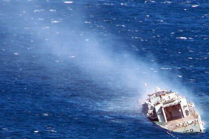 Как поступают со старыми кораблями в Новой Зеландии (11 фото)
