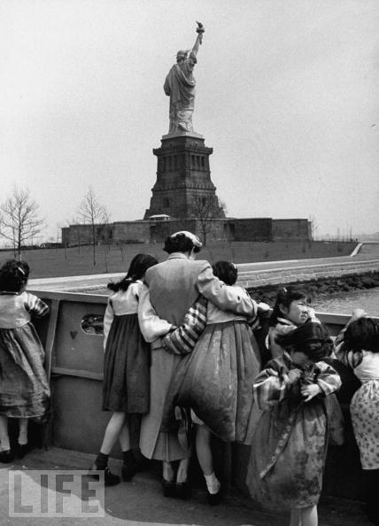 История Статуи Свободы в фотографиях (27 фото)