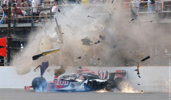 Авария во время гонок в США (6 фото + видео)