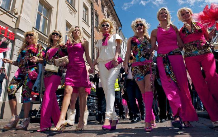 Парад блондинок в Риге (26 фото)