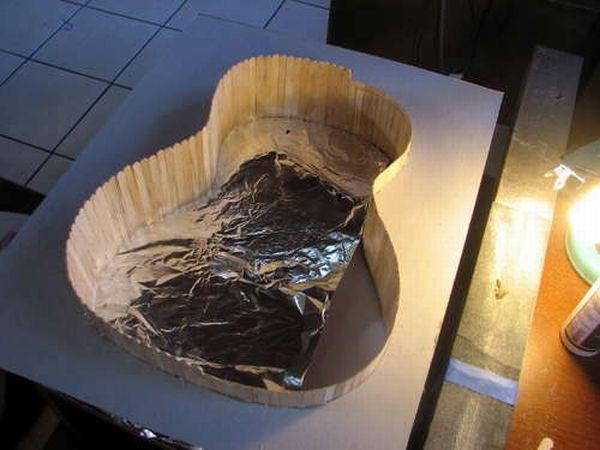 Гитара, сделанная из палочек для мороженого (15 фото)
