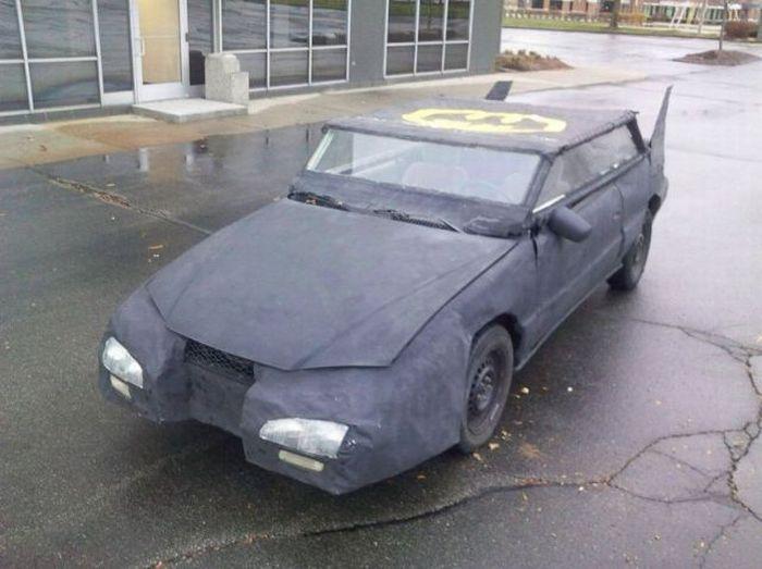 Худший Бэтмобиль в мире (15 фото)