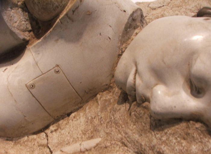 Что найдут во время раскопок через 2000 лет (11 фото)