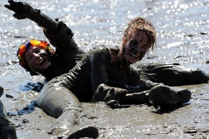 Немецкие олимпийские игры в грязи (9 фото)