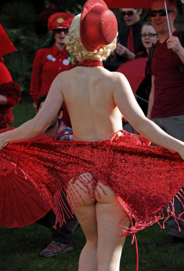 Акция протеста австралийских проституток (12 фото)
