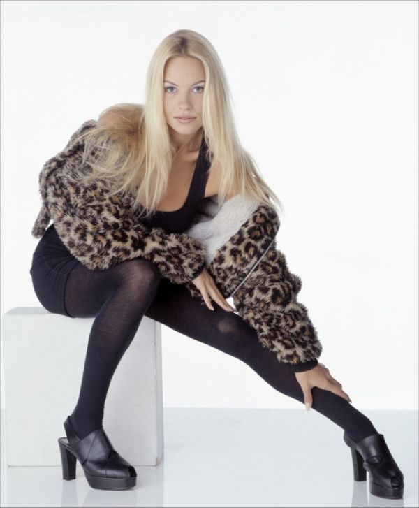 Молодая Памела Андерсон (67 фото)
