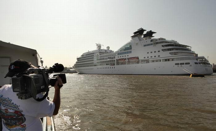 Круизный лайнер Seabourn Sojourn (18 фото)