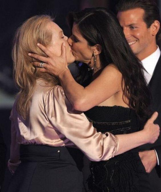 Самые известные лесбийские поцелуи (44 фото)