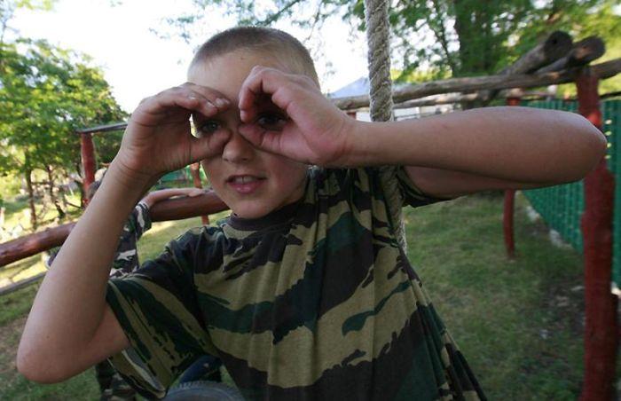 Детский военный лагерь около Ставрополя (13 фото)