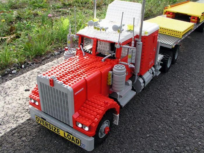 Грузовики из LEGO (15 фото)