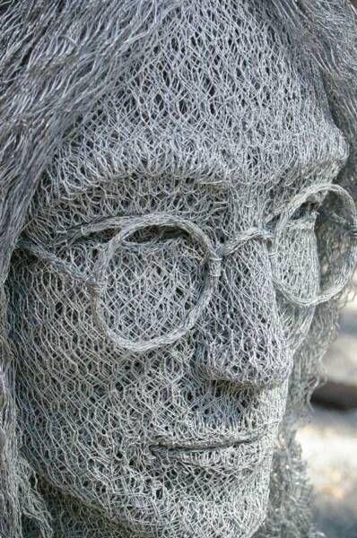 Скульптуры из проволоки (13 фото)