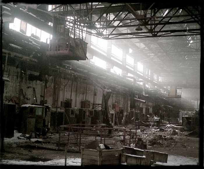 Заброшенные корпуса АЗЛК (29 фото)