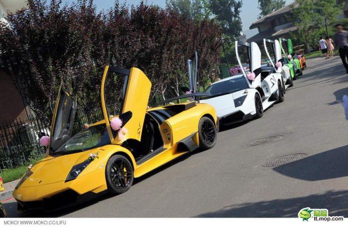 Свадьба богатой семьи в Китае (20 фото)