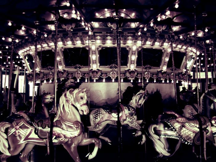 Красивые фотографии каруселей (24 фото)