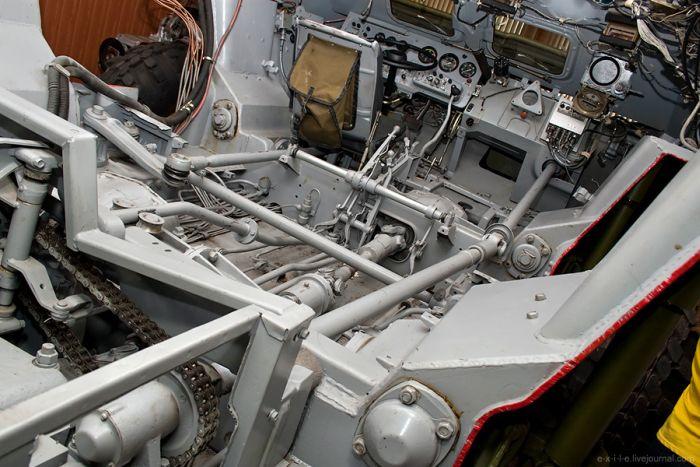 Производство бронетранспортеров (76 фото)