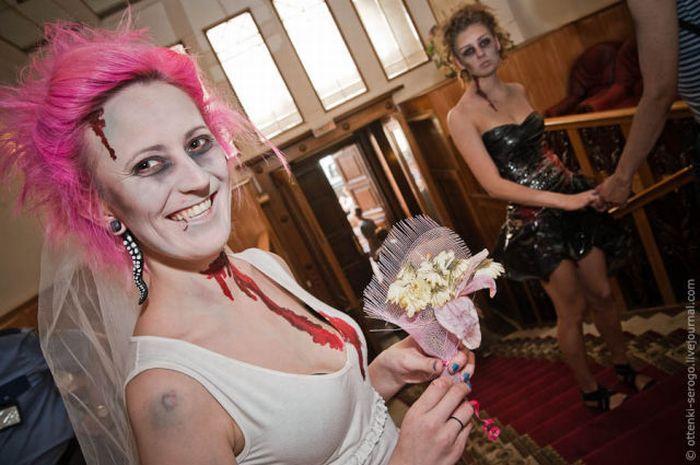 Свадьба в стиле зомби (44 фото)
