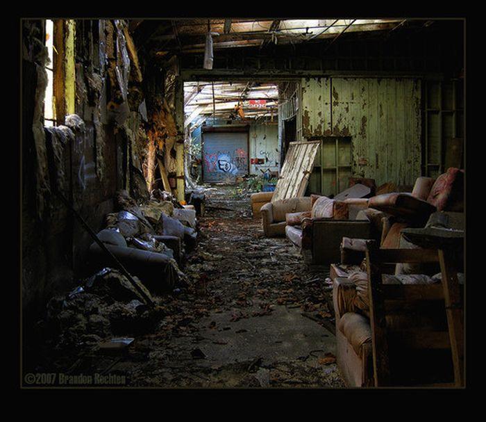 Фотографии заброшенных зданий (50 фото)