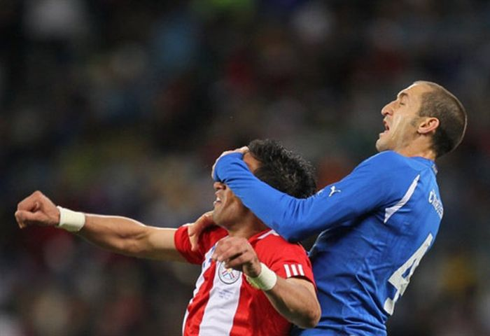 Смешные ситуации в футболе (25 фото)
