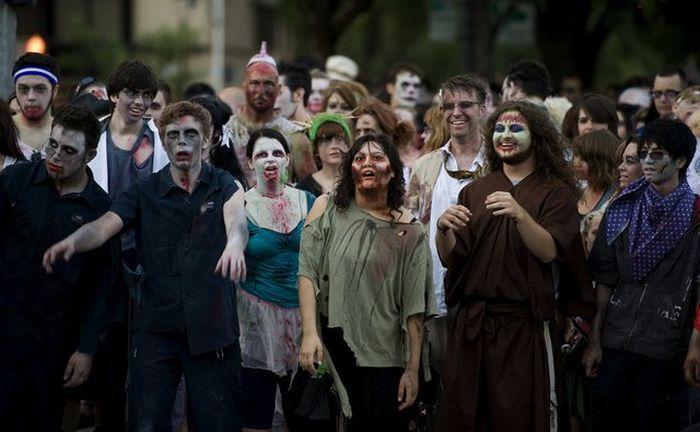 Парад зомби в Сакраменто (16 фото)